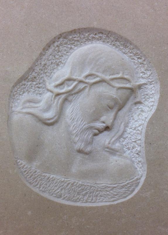 cristo bassorilievo con corona di spine INCISIONI E BASSORILIEVO